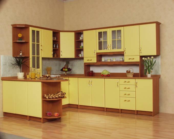 Kuchyně na míru rohová Mydelko - žlutá